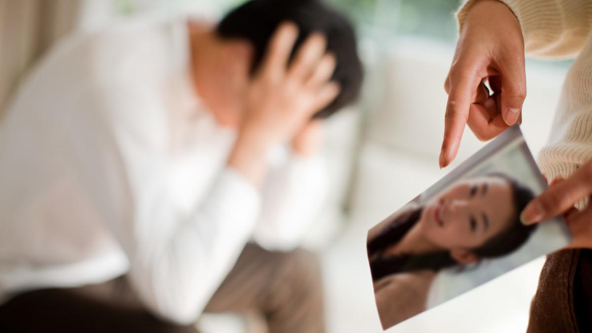 发现老公出轨怎么办_老婆发现老公微信出轨_发现老婆出轨老公怎么办